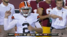 johnny-manziel-flips-bird